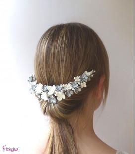 Tocado de novia flores porcelana blanco y plateado
