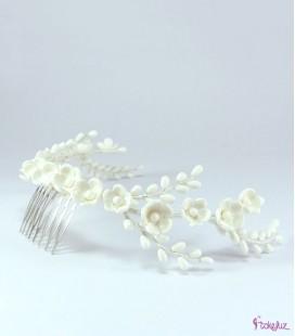 Corona de flores de porcelana para novia